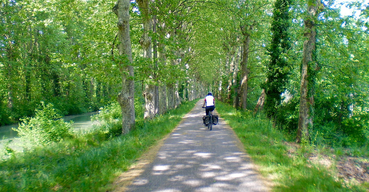 Carril bici canal lateral del Garona